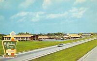 Perrysburg Ohio 1960s Postcard Holiday Inn Toledo-Lemoyne