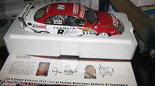 CLASSIC 1.18 HOLDEN VY COMMODORE RICHARDS SIGNED   MEMBERS MODEL + DISPLAY BASE
