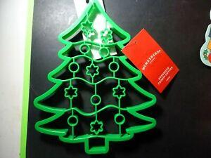 Plastic Giant Tree Cookie Cutter Green - Wondershop;