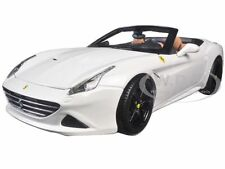 FERRARI CALIFORNIA T OPEN TOP CONVERT WHITE SIGNATURE SERIES 1:18 BBURAGO 16904