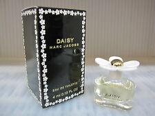 DAISY by MARC JACOBS 0.13 FL oz / 4 ML Eau De Toilette Splash New In Box