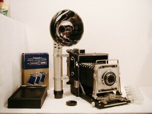 Graflex Crown Graphic Outfit w/135mm f/4.7 Graflex Optar, Case, Tons of Extras!