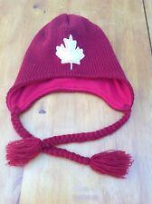 Cálido Sombrero Kootenay ROJO CON OREJA SOLAPAS de Canadá