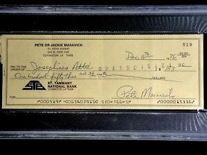 PISTOL PETE MARAVICH PSA/DNA HANDWRITTEN SIGNED 1986 CHECK AUTOGRAPHED RARE AUTO