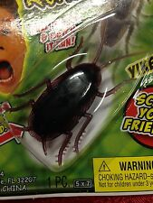FAKE PULL-BACK RUBBER COCKROACH ROACH BUG GAG Pull Back & Chase Your Friends