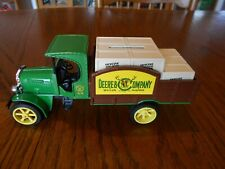 Vintage Ertl 1:30 John Deere & Co. 1925 Kenworth Delivery Truck Bank, #5689-10Eo