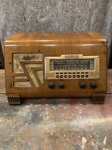 Antique Philco Model 40-155 Slant Front Tube Radio