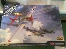Academy 1/72 2 en 1 P-51D Mustang & me 262