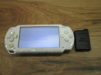 Sony PSP 1000 Console Ceramic White w/battery pack Japan o67