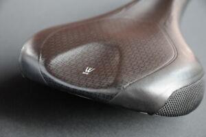 BONTRAGER Evoke RL Hollow Ti saddle, TITANIUM rails, 143mm, black seat, MINT !!!