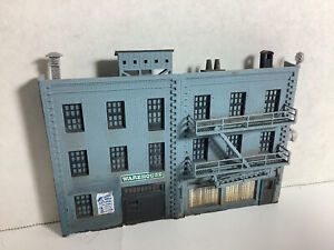 HO SCALE 1:87 BACKDROP/ BACKGROUND 3D BUILDING W/ A LOT OF DETAIL, 3 STORY