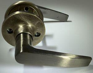 Black & Decker Newport Hall Closet Lever Set Antique Brass 91140-013 2-3/8 2-3/4
