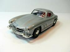 Modellauto BURAGO* Mercedes Benz 300 SL Coupé * 1:18 * silber metallic