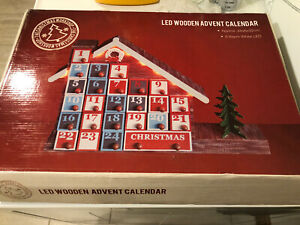 LED battery Lights Traditional Wooden Christmas Advent Calendar with Drawers