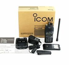 NUOVO ICOM IC-V88 IP67 5.5W EXP/LMR Radio VHF 136-174Mhz MDC1200 con BP-278+BC-213