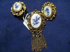 3 Piece Vintage QUEEN Signed Large Pendant  & Earrings SET