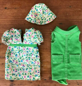 Vintage Barbie Skipper 1942 Right in Style Green Floral Dress Hat Tunic 1967