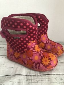 BOGS Toddler Daisy Dots BootsSize 8 Pink And Orange Floral And Dots