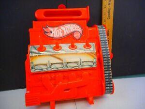 Vintage 1983 Hot Wheels Engine 18 Car Carrying Case