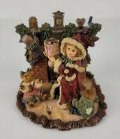 Vintage 1998 Boyds Bear Yesterdays Child Sandra Claus Christmas Morning Figurine