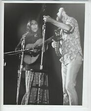 ORIGINAL JOAN BAEZ & PETE SEEGER FOLK MUSIC PHOTO VINTAGE 8X10 INCHES