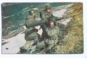 Postcard A BAZOOKA TEAM, military