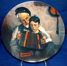 """Knowles Norman Rockwell Plalte """"The Music Maker"""" - Comes W/ Box"""