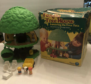 Vintage 1975 Kenner Family Treehouse Featuring Tree Tots w/Original Box No97000