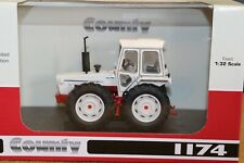 UH6211 1:32 Ford County 1174 White Tractor Ltd Edt