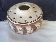 Jersey de cerámica marrón en Blanco Porcelana Posy Rana Tazón 16 agujero y grandes agujero de centro