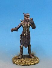 DARK SWORD MINIATURES - DSM7640 Male Necromancer