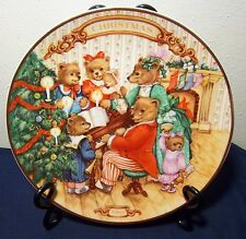 """""""Together For Christmas"""" Avon 1989 Plate 8"""" Excellent"""