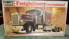 Revell freightliner conventional 1/24 serie 7508