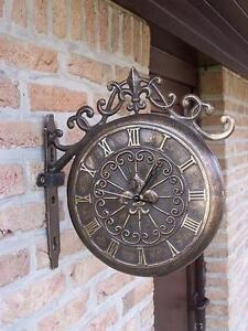 Maueruhr aus Bronze