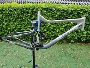 GIANT TRANCE 2 Full Suspension Frame w/ Fox Float R Shock, Large