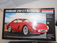 MNG77005 by 0 FERRARI 250 GT BERLINETTA 1:25 KIT DI MONTAGGIO
