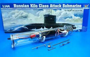 RC 1/144 Russian Submarine Kilo Class Model Kit + WTC ( WTC assembled )