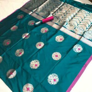 A graceful combination of soft silk saree is perfect for weddings.