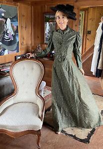 Victorian Bodice & Skirt  Sweet Green Cotton Chintz Dress Everyday Wear!
