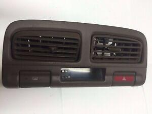 1998 INFINITI I30 FRONT AC HEATER VENTS AIR CLOCK DASH PANEL (B 58)