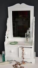 Schminktische im Landhaus-Stil mit Spiegel in aktuellem Design