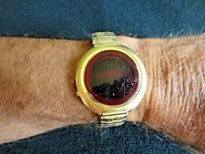 Vintage 1970's QUANTUM HH SOLID STATE L.E.D. WRIST WATCH BLOOD RED WORKS RARE VG