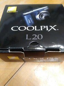 Nikon COOLPIX L20 10MP Metallic Blue Digital Camera in box w/original documents