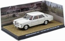 1/43 MERCEDES BENZ 220 EL HOMBRE DE LA PISTOLA ORO JAMES BOND 007 DIECAST MODEL