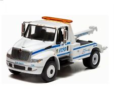Greenlight 1/64 2013 International NYPD Durastar 4400 Tow Truck White (29797)