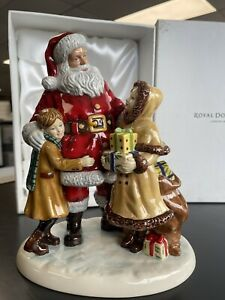 2012 Royal Doulton SANTA Porcelain Figurine HN5548 Character ware