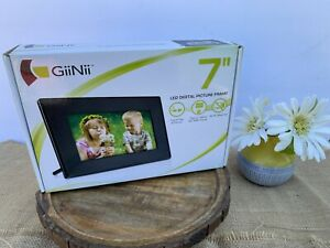 GiiNii Led Digital Picture Frame 7in. NEW IN BOX Never opened! very nice!
