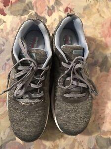 Sketchers Skech-Air Women Air Cooled Memory Foam Light Weight Tennis Shoe SZ 7.5