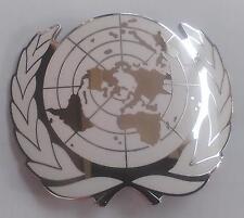 US UNITED NATIONS METAL BERET CAP METAL PIN SILVER BADGE-1095