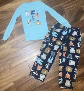 Carter's Toddler Boy Fleece Two Piece Pajamas PJ Sz 5T ADORABLE Excellent Cond.